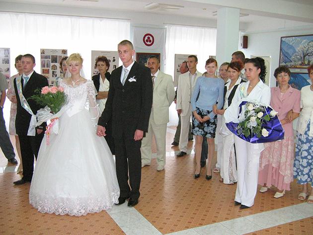 В день свадьбы в музей
